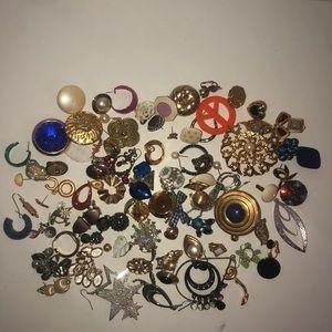 Huge bundle of mostly vintage single earrings